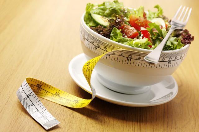 Популярно, но опасно: все минусы низкоуглеводной диеты
